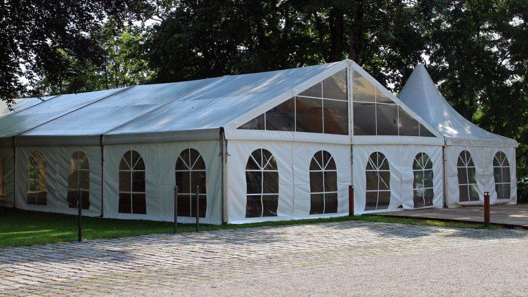 Quelle solution entre l'achat et la location de tente ?